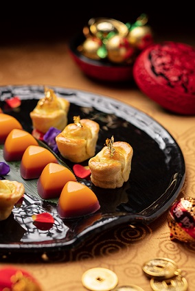 Dynasty 8 - Chinese petit fours 美點映雙輝