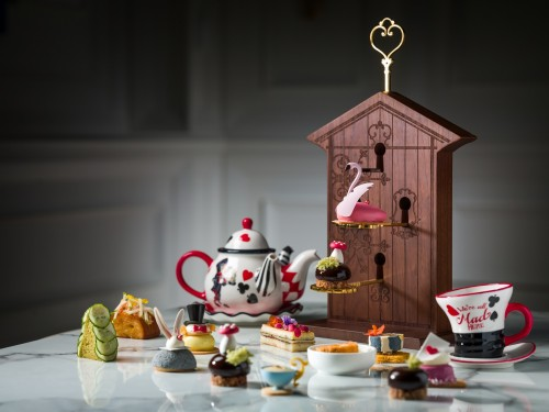 LM Churchill's Table_Mad Hatter Tea Set