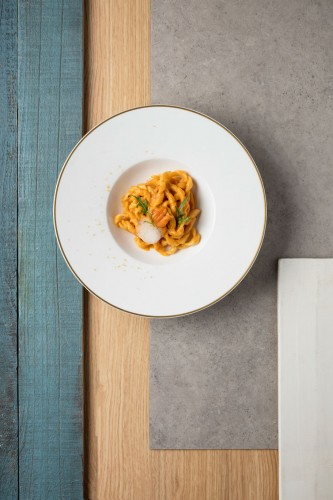 Sea urchin with fusilli Gentile red mullet bottarga